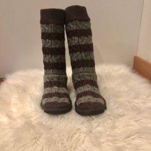 🎉HP🎉UGG® Australia Classic Tall Knit boots